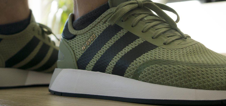 Sneaker waschen? So werden deine Sneaker wieder richtig sauber!